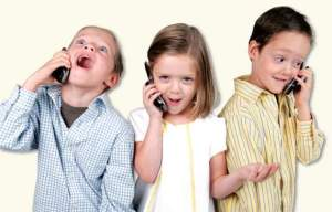kids-with-cell-phones